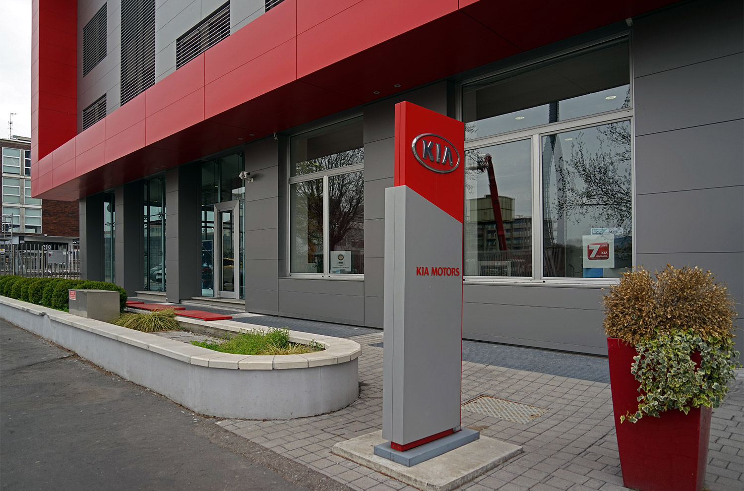 KIA - Gallarate - Tecnomont Service - General contractor